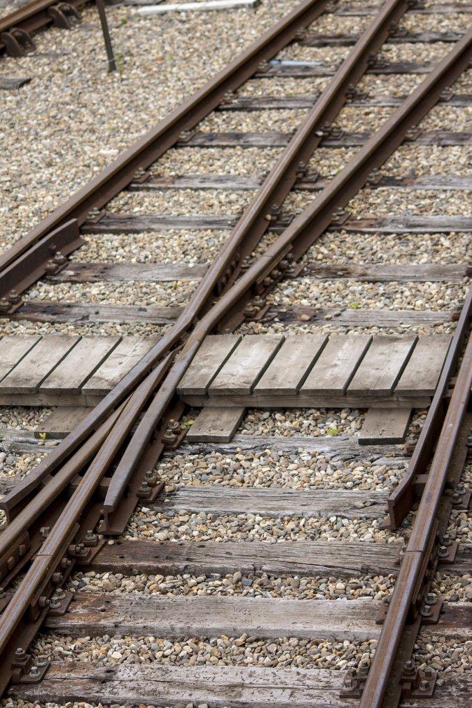 track-842483_1920